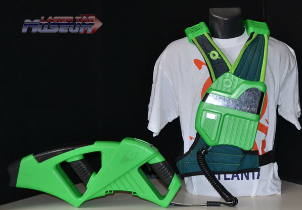 Green Q-zar iQ Pack and Phaser