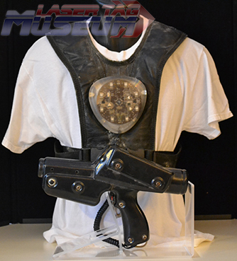 V0 Delta Strike Vest and Phaser